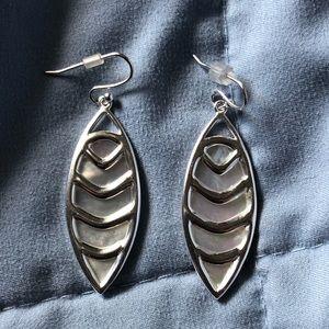 EUC Stella & Dot aurielia drop earrings 2 in 1